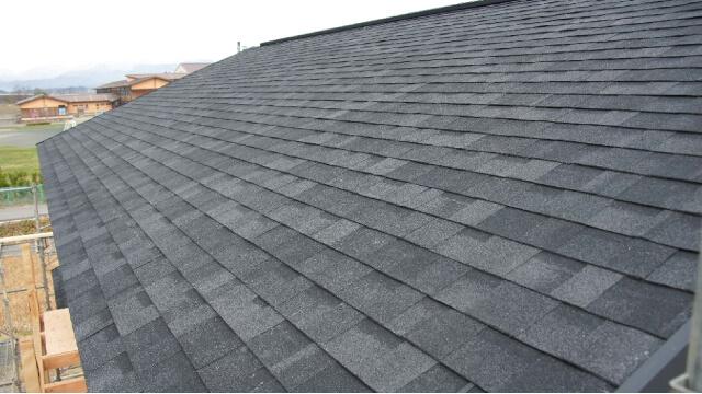 デザイン性にも優れた高性能な屋根材「リッジウェイ」
